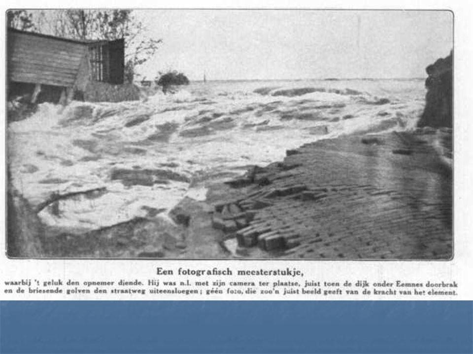 De Zuiderzeewerken en de deltawerken Het Zuiderzeeproject (1920-1968) Wat was de aanleiding? Watersnoodramp 1916 Watersnoodramp 1916 Voedseltekorten t