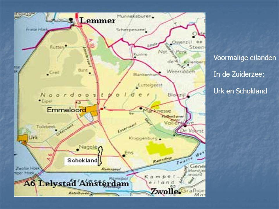 De Noordoostpolder kreeg een agrarische bestemming. De nieuwe boeren werden streng geselecteerd. Ze kwamen voornamelijk uit Friesland, Noord-Holland,