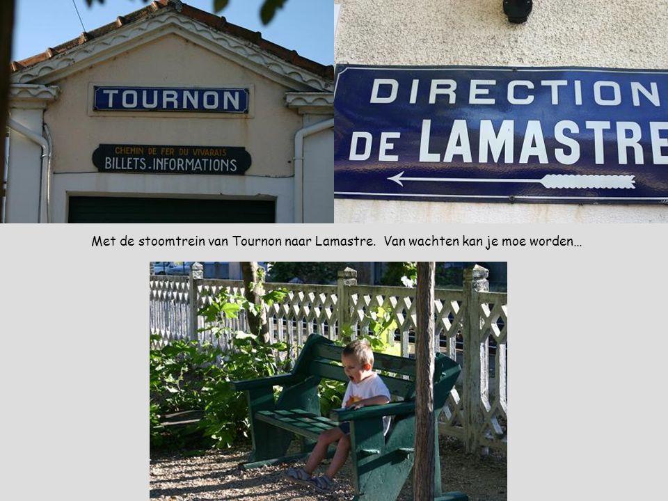 Met de stoomtrein van Tournon naar Lamastre. Van wachten kan je moe worden…