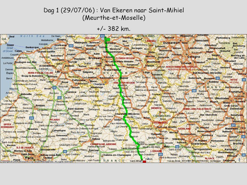 Aire de service van Oradour-sur-Glane met plaats voor een 25 tal mobilhomes, WC's, speeltuintje en een Flotte Bleue .