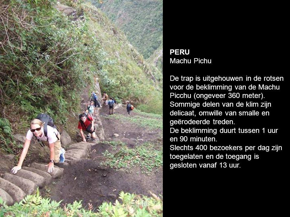 Peru Inca Trail. Een oude handelsroute tussen Cuzco en Machu Pichu. Het ruige terrein van de regio vereist te veel omwegen door de heuvels en bergen.