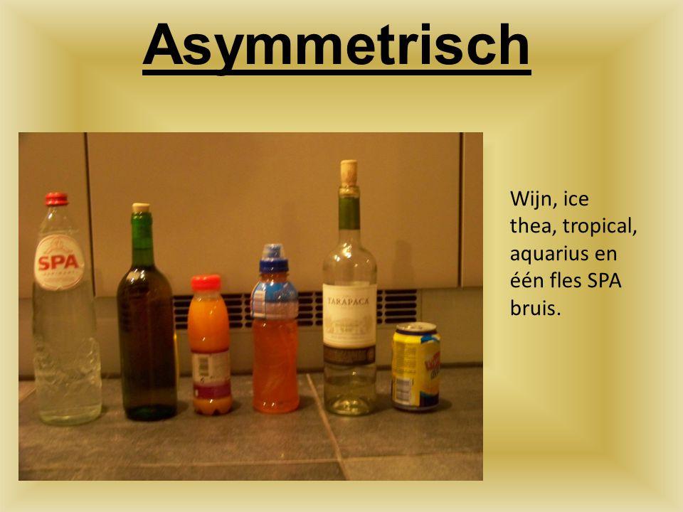 Asymmetrisch Wijn, ice thea, tropical, aquarius en één fles SPA bruis.