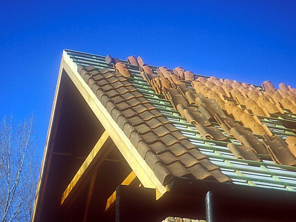 Inleiding tot de bouwtechniek en de bouwstructuren1° kandidatuur burgerlijk ingenieur-architect partim bouwstructuren: OPBOUW VAN EEN HELLEND DAK VOORBEELD: KERAMISCHE DAKPAN: 'oude pottelbergse'