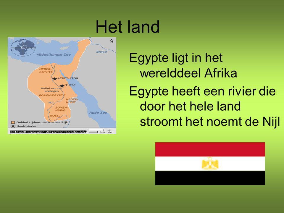 Het land Egypte ligt in het werelddeel Afrika Egypte heeft een rivier die door het hele land stroomt het noemt de Nijl