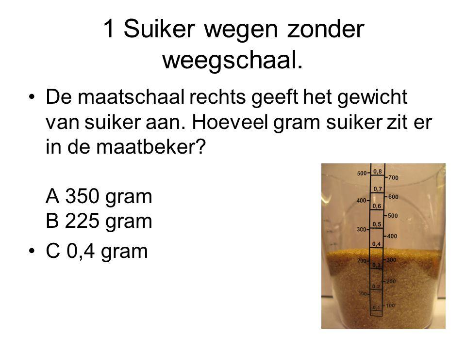 2 Het meeste Kijk goed hoeveel ml er in de maatbekers zit.