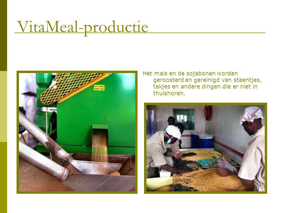 Het mais en de sojabonen worden geroosterd en gereinigd van steentjes, takjes en andere dingen die er niet in thuishoren. VitaMeal-productie