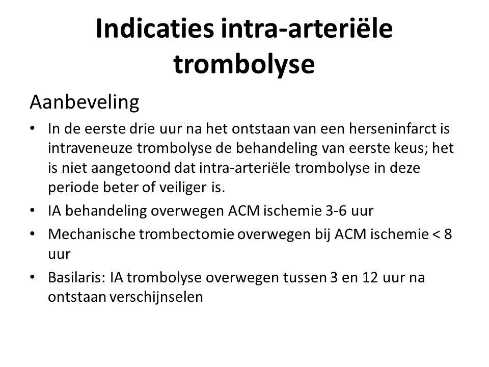 Aanbeveling In de eerste drie uur na het ontstaan van een herseninfarct is intraveneuze trombolyse de behandeling van eerste keus; het is niet aangetoond dat intra-arteriële trombolyse in deze periode beter of veiliger is.