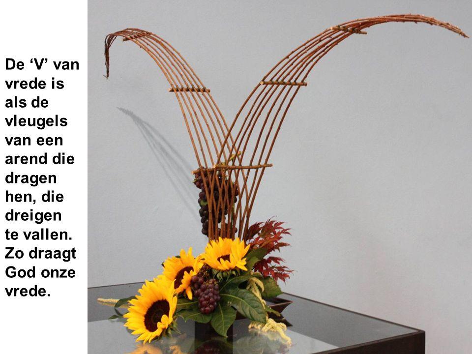 De 'V' van vrede is als de vleugels van een arend die dragen hen, die dreigen te vallen.