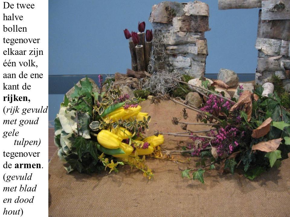 De gebogen lila tulpen zijn het verdriet en de boosheid van Nehemia voor al dit onrecht onder de bewoners van Jeruzalem.