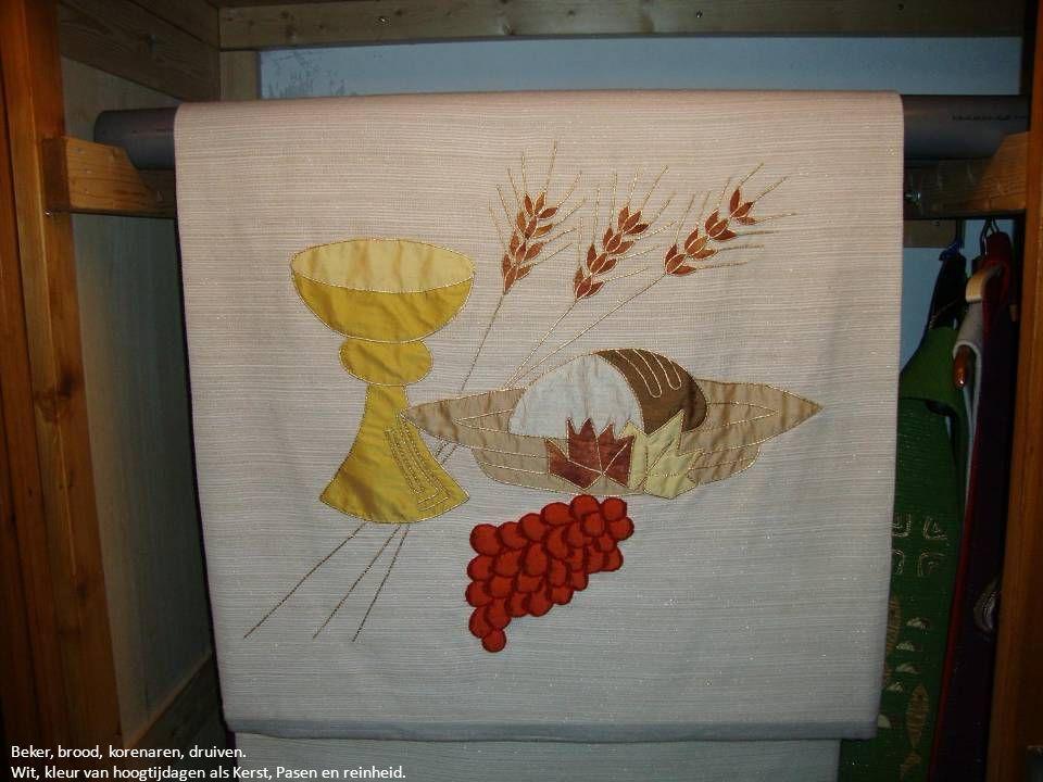 Beker, brood, korenaren, druiven. Wit, kleur van hoogtijdagen als Kerst, Pasen en reinheid.