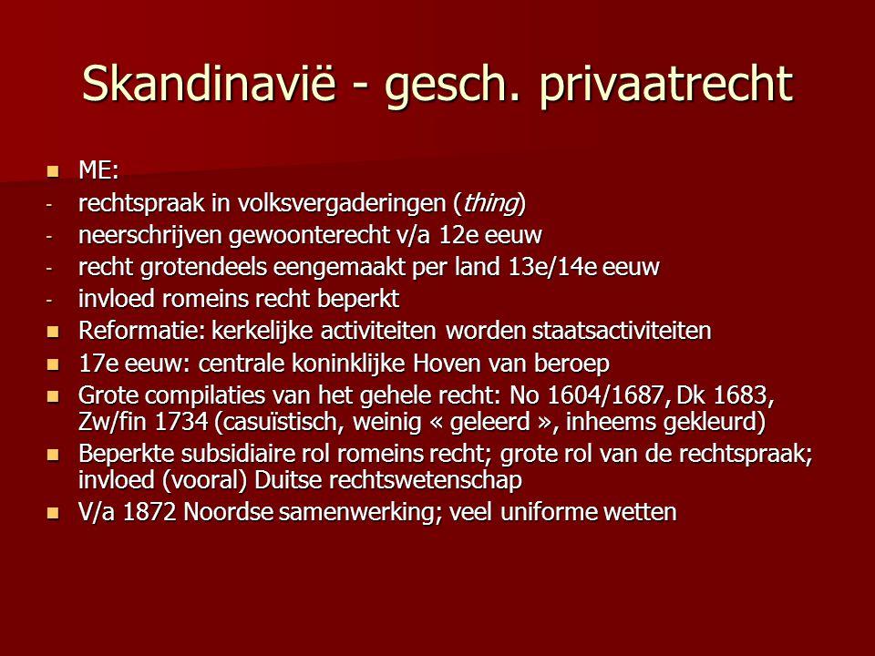 Politieke instellingen Denemarken Parlementaire monarchie Parlementaire monarchie Wetgevende macht: Wetgevende macht: - Folketing (1 kamer) - Minderheid van 1/3 kan abrogatief referendum afdwingen Uitvoerende macht: regering; vaak minderheidsregering Uitvoerende macht: regering; vaak minderheidsregering Sterke gemeenten Sterke gemeenten Formele Grondwet (1953); wijziging door 2 parlementen + referendum Formele Grondwet (1953); wijziging door 2 parlementen + referendum GW toetsing door gewone rechter GW toetsing door gewone rechter