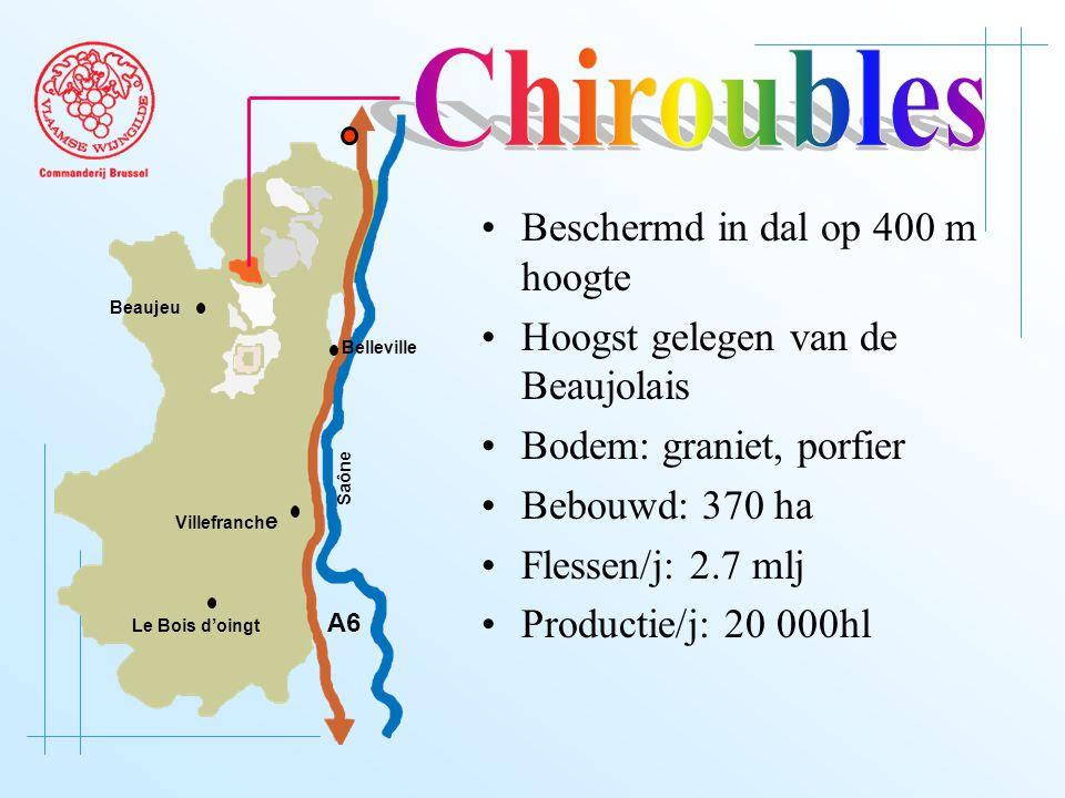 A6 Saône Belleville Le Bois d'oingt Villefranch e Beaujeu Beschermd in dal op 400 m hoogte Hoogst gelegen van de Beaujolais Bodem: graniet, porfier Bebouwd: 370 ha Flessen/j: 2.7 mlj Productie/j: 20 000hl