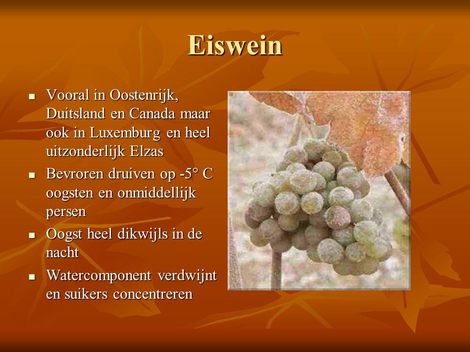 Wijnmaker Walter Schmoranz Eigenaar en wijnmaker Eigenaar en wijnmaker Geboren in Rüdesheim Geboren in Rüdesheim In 1985 naar Canada In 1985 naar Canada Eén van de pioniers van de Canadese wijnbouw Eén van de pioniers van de Canadese wijnbouw