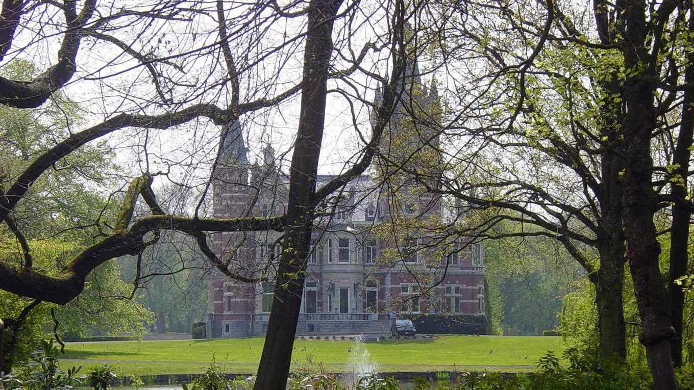 Ingang van het kasteel Schouwbroek.
