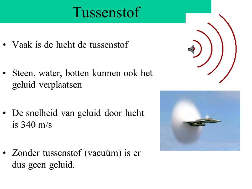 De stem Je kunt praten doordat je lucht tussen je stembanden door perst Door die luchtstroming gaan je stembanden trillen Hierdoor komt de lucht in tr