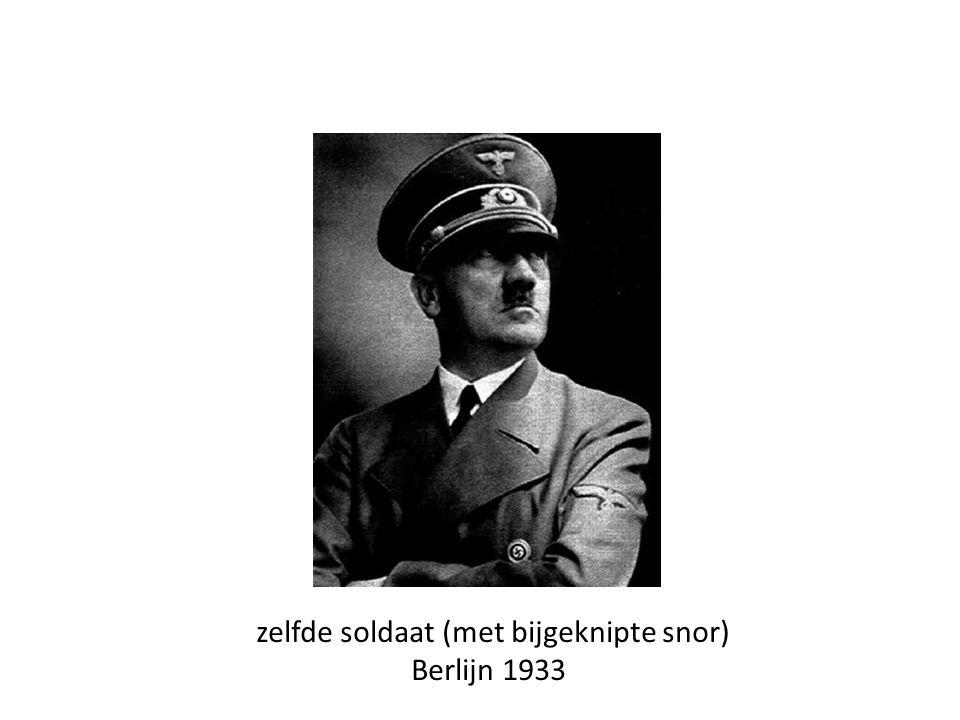 zelfde soldaat (met bijgeknipte snor) Berlijn 1933