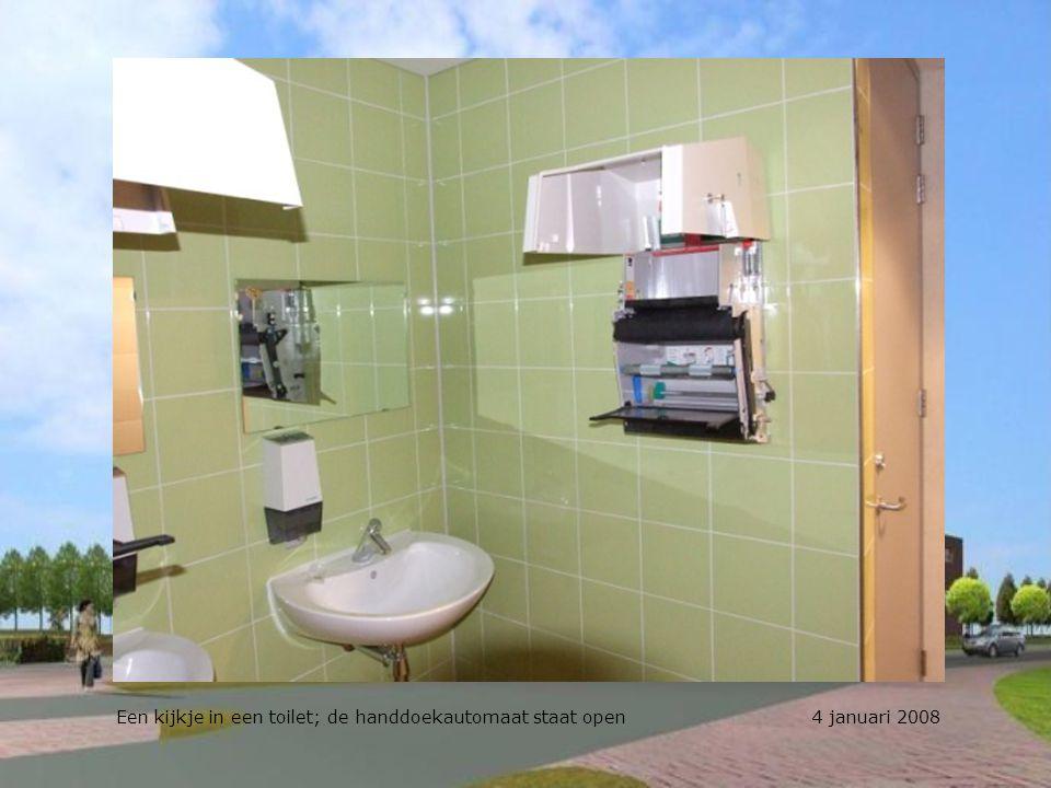 Een kijkje in een toilet; de handdoekautomaat staat open 4 januari 2008