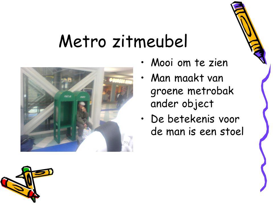 Metro zitmeubel Mooi om te zien Man maakt van groene metrobak ander object De betekenis voor de man is een stoel