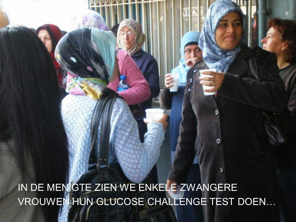 . IN DE MENIGTE ZIEN WE ENKELE ZWANGERE VROUWEN HUN GLUCOSE CHALLENGE TEST DOEN…