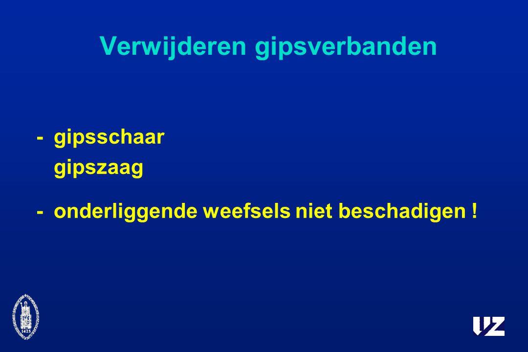 Verwijderen gipsverbanden - gipsschaar gipszaag - onderliggende weefsels niet beschadigen !