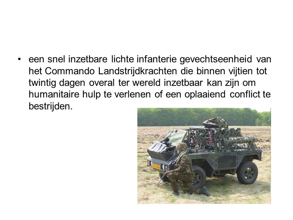 De luchtmobiele brigade een snel inzetbare lichte infanterie gevechtseenheid van het Commando Landstrijdkrachten die binnen vijtien tot twintig dagen overal ter wereld inzetbaar kan zijn om humanitaire hulp te verlenen of een oplaaiend conflict te bestrijden.