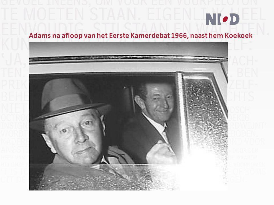 Adams na afloop van het Eerste Kamerdebat 1966, naast hem Koekoek