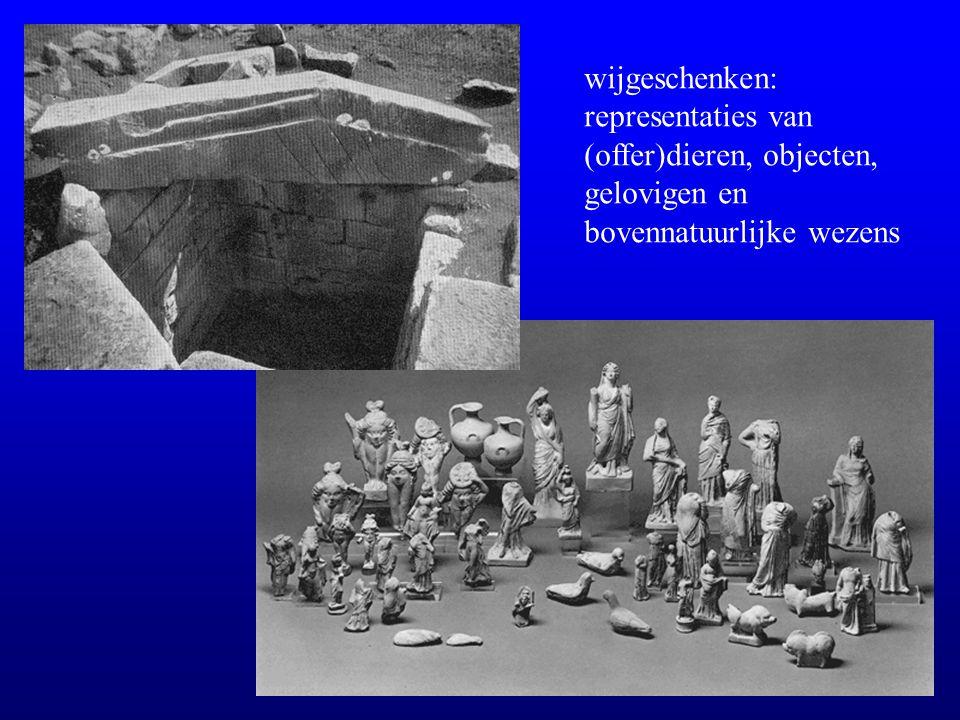wijgeschenken: representaties van (offer)dieren, objecten, gelovigen en bovennatuurlijke wezens