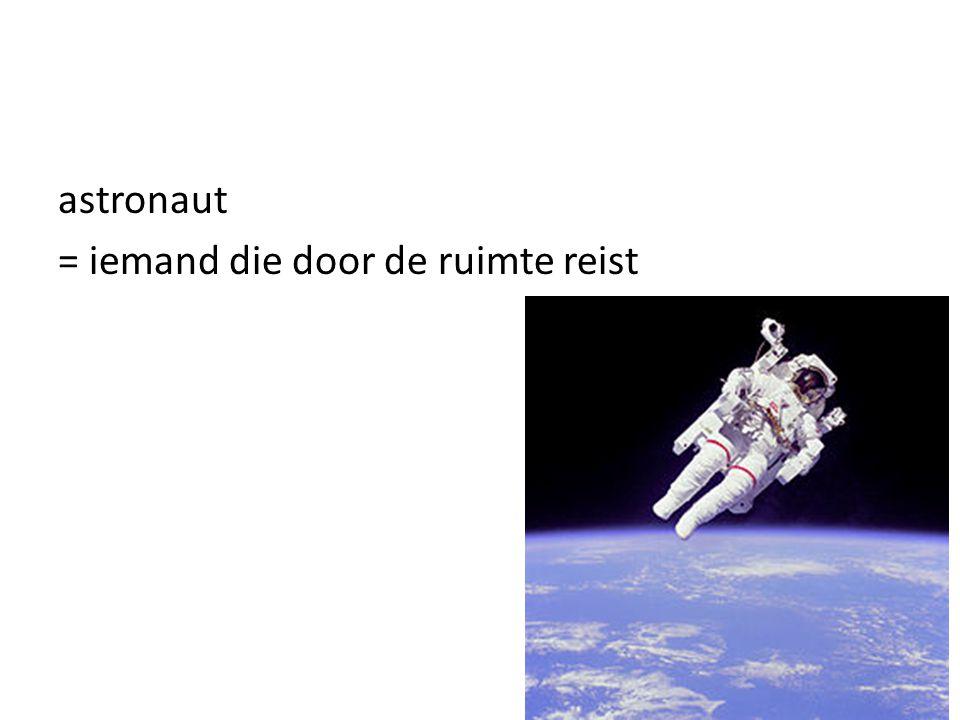 = iemand die door de ruimte reist