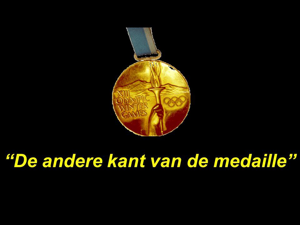 """1 """"De andere kant van de medaille"""""""