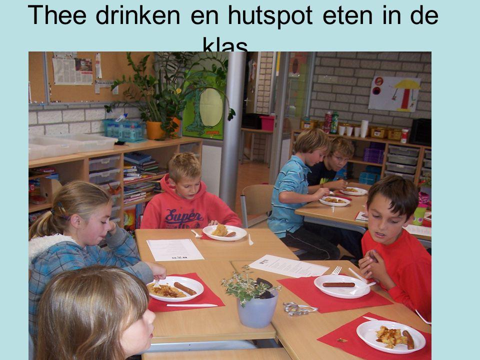 Thee drinken en hutspot eten in de klas. thee drinken en hutspot eten in de klas.