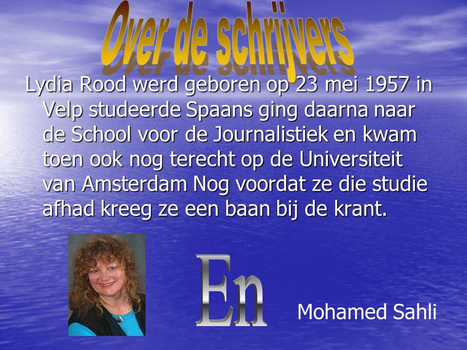 Lydia Rood werd geboren op 23 mei 1957 in Velp studeerde Spaans ging daarna naar de School voor de Journalistiek en kwam toen ook nog terecht op de Un