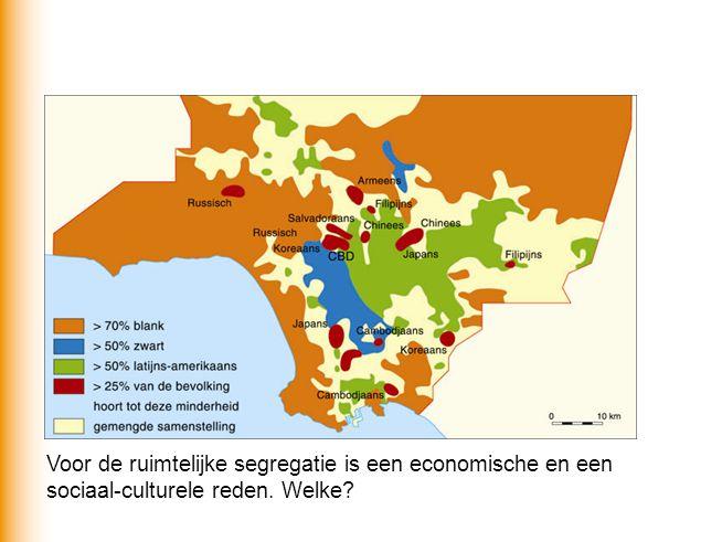 Economisch: verschil in welvaart > rijkere blanken wonen in de suburbs.