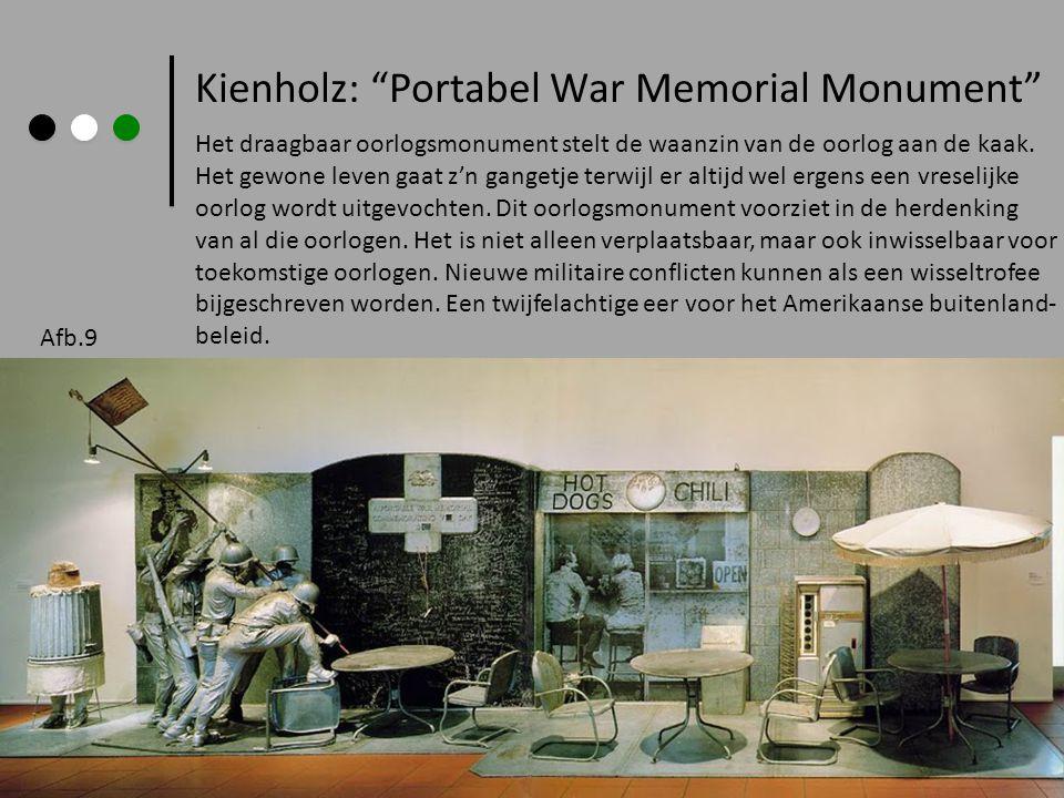Kienholz: Portabel War Memorial Monument Het draagbaar oorlogsmonument stelt de waanzin van de oorlog aan de kaak.