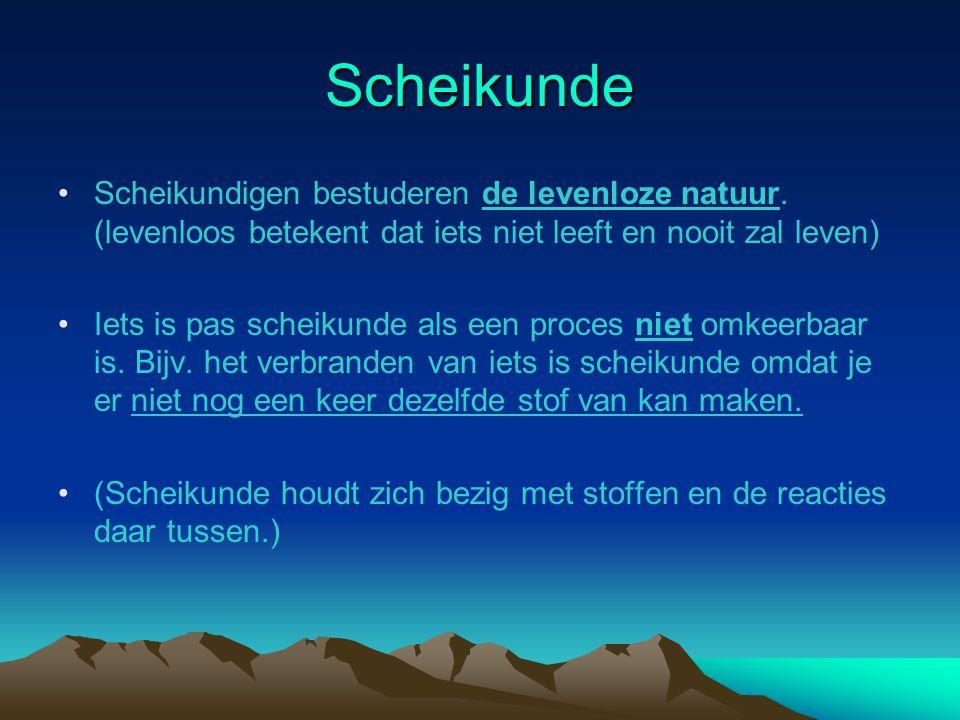 Biologie De biologen bestuderen de levende en de dode natuur bijv.