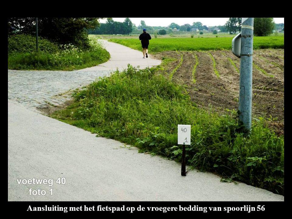 Aansluiting met het fietspad op de vroegere bedding van spoorlijn 56