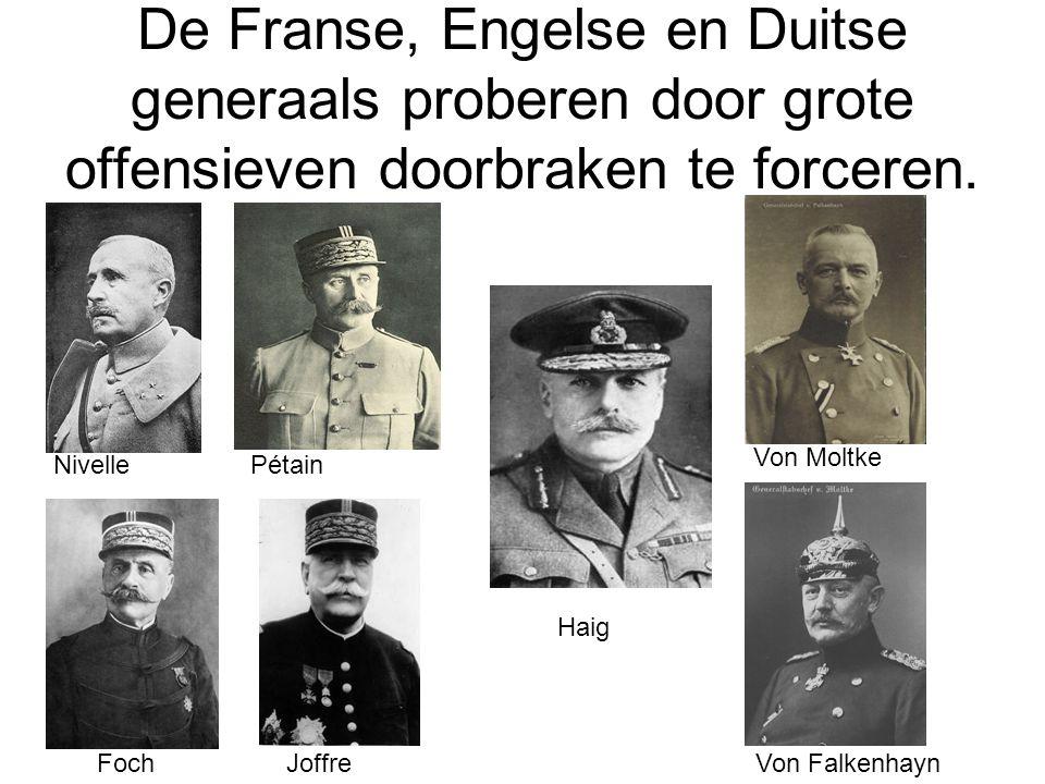 De Franse, Engelse en Duitse generaals proberen door grote offensieven doorbraken te forceren.
