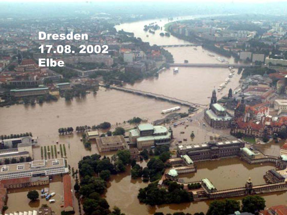 Dresden 17.08. 2002 Elbe