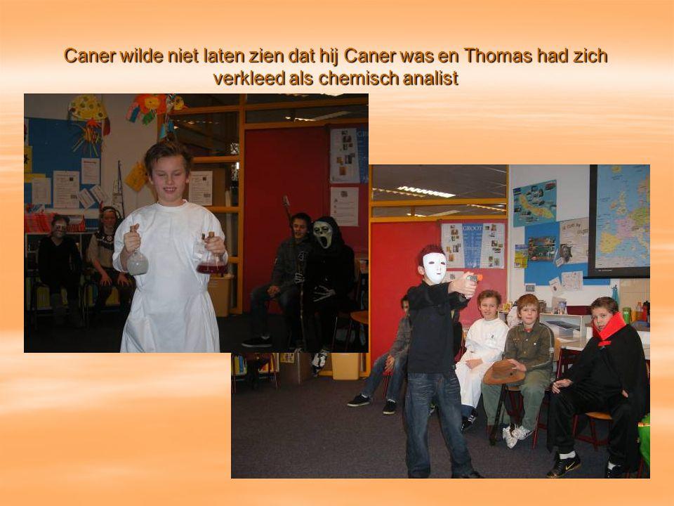 Caner wilde niet laten zien dat hij Caner was en Thomas had zich verkleed als chemisch analist