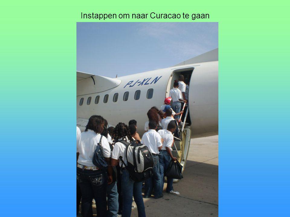 Instappen om naar Curacao te gaan
