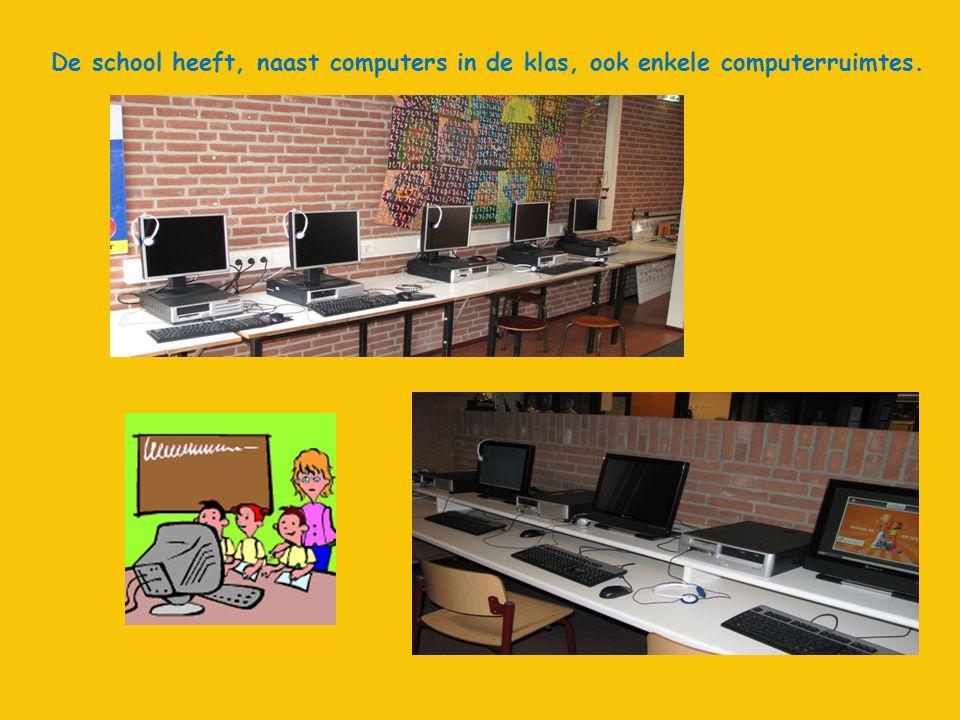 De school heeft, naast computers in de klas, ook enkele computerruimtes.