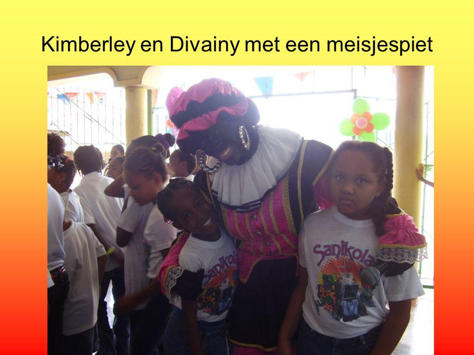 Kimberley en Divainy met een meisjespiet