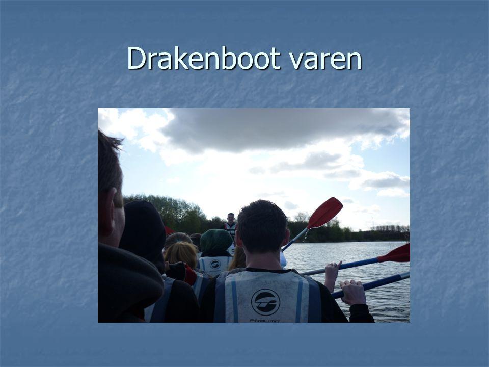 Drakenboot varen