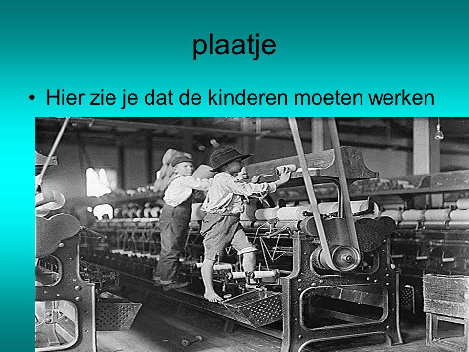 Kinderarbeid De kinderen moeten gebroken draden aan elkaar knopen De kinderen moeten de vloer van de fabriek aan vegen De kinderen moeten de hele dag staan en kruipen daardoor kunnen ze o-benen krijgen Er werken veel in de fabrieken.Dat noem je kinderarbeid.Maar dat is niet nieuw
