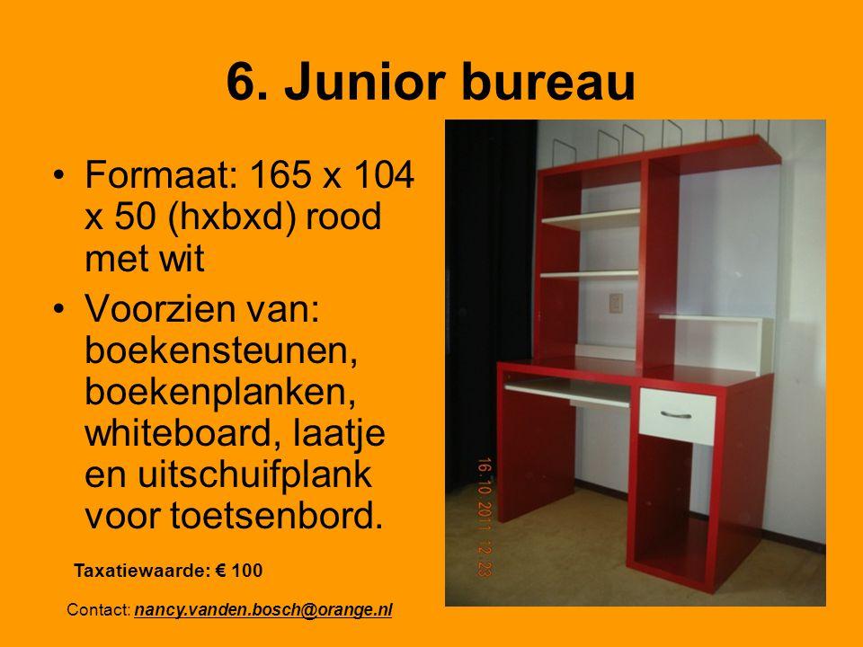 6. Junior bureau Formaat: 165 x 104 x 50 (hxbxd) rood met wit Voorzien van: boekensteunen, boekenplanken, whiteboard, laatje en uitschuifplank voor to