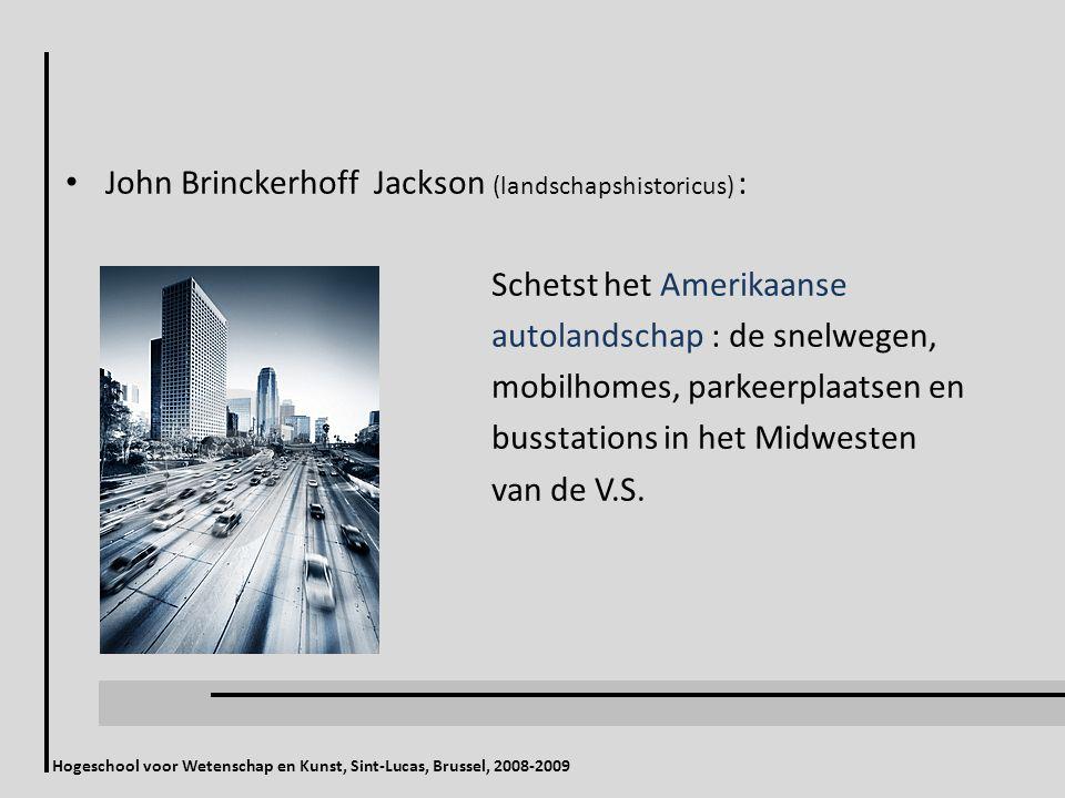 John Brinckerhoff Jackson (landschapshistoricus) : Schetst het Amerikaanse autolandschap : de snelwegen, mobilhomes, parkeerplaatsen en busstations in