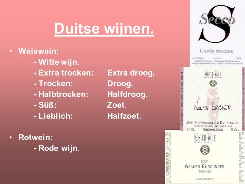 Classic en Selection. De etiketten in Duitsland zijn veranderd. Vroeger: Oubollig, ouderwets lettertype en een foto van het wijnhuis. Nu: Stijlvol, tr