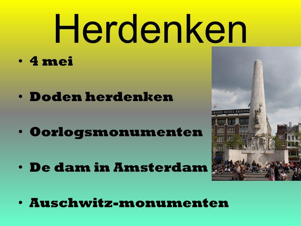 Herdenken 4 mei Doden herdenken Oorlogsmonumenten De dam in Amsterdam Auschwitz-monumenten
