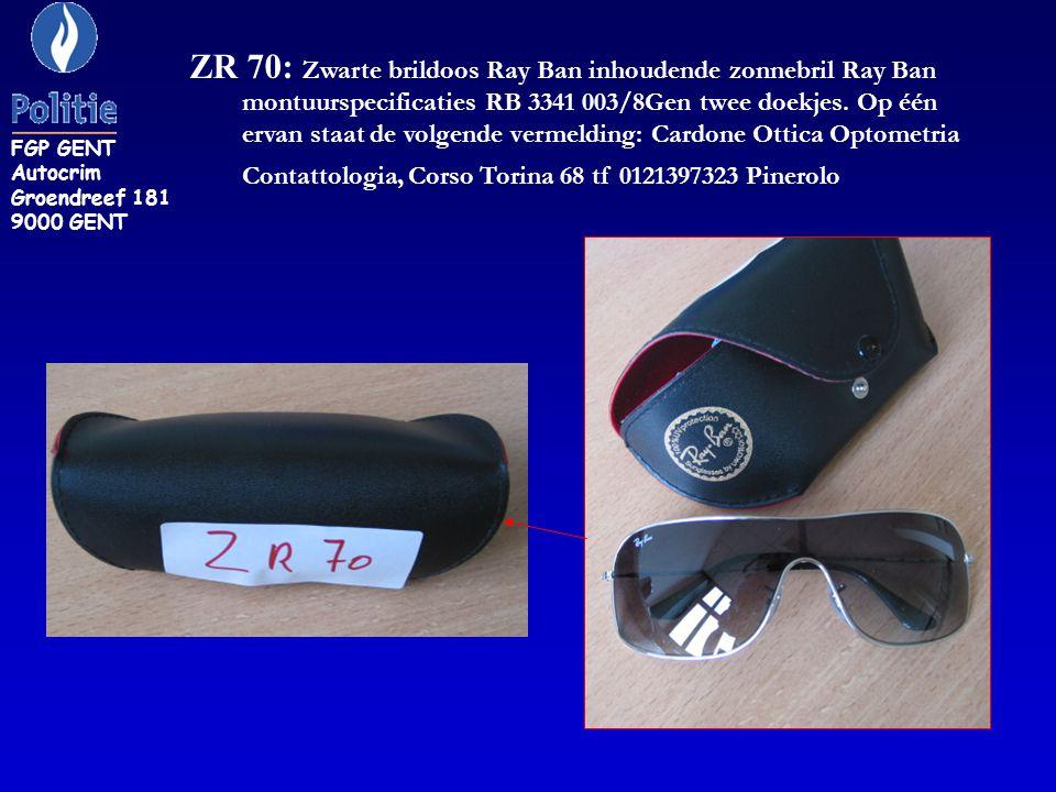 ZR 70: Zwarte brildoos Ray Ban inhoudende zonnebril Ray Ban montuurspecificaties RB 3341 003/8Gen twee doekjes. Op één ervan staat de volgende vermeld