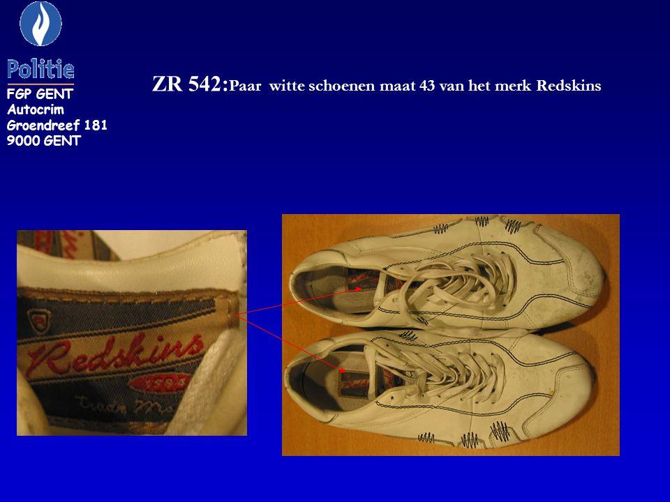 ZR 542: Paar witte schoenen maat 43 van het merk Redskins FGP GENT Autocrim Groendreef 181 9000 GENT