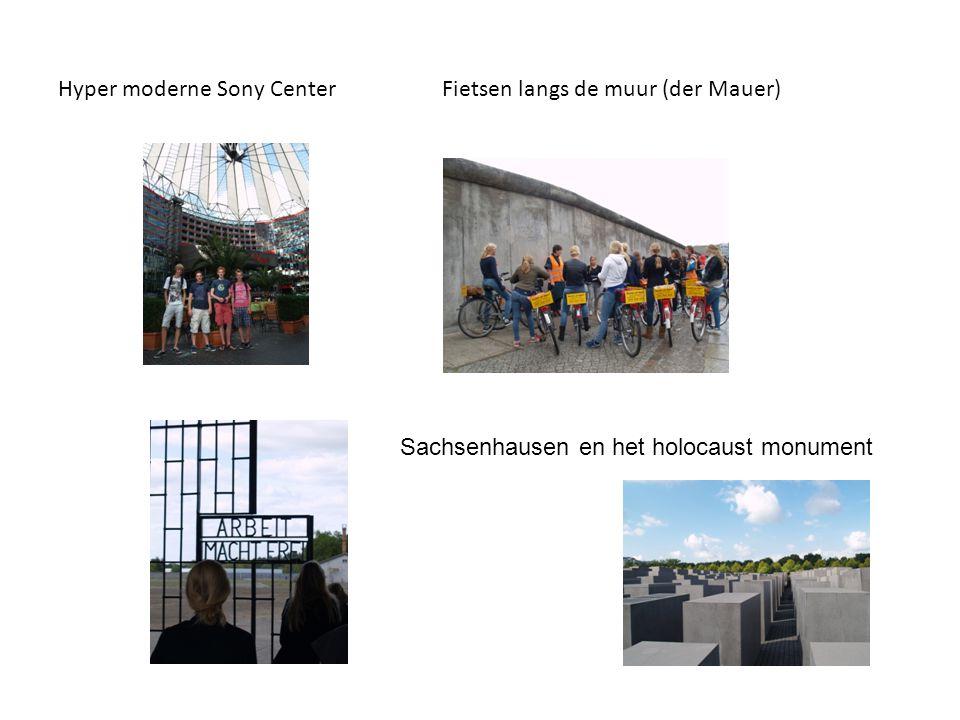 Hyper moderne Sony Center Fietsen langs de muur (der Mauer) Sachsenhausen en het holocaust monument